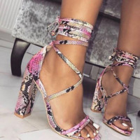Hot style sells strappy strappy sandals with high heels