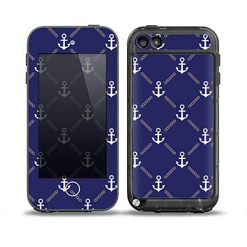 The Navy Blue & White Seamless Anchor Pattern Skin for the iPod Touch 5th Generation frē LifeProof Case