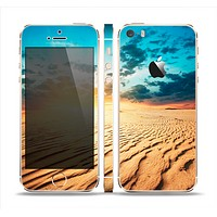 The Sunny Day Desert Skin Set for the Apple iPhone 5s