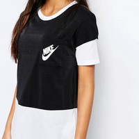 Nike Small Logo Oversized Signal T-Shirt With Colour Block