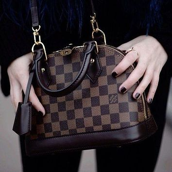 Louis Vuitton letter printing fashion casual ladies shell bag handbag shoulder messenger bag