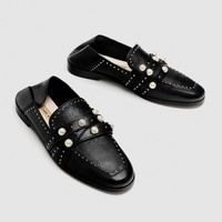 LEATHER LOAFERS WITH PEARL BEADS DETAILS
