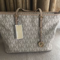 NWT Michael Kors MK Signature Jet Set Travel Tote Vanilla