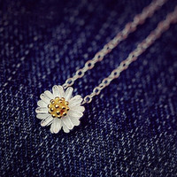 Little Daisy Clavicle Necklace
