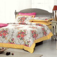 Floral Damask Bedding Set in Yellow, Pink, Orange, Beige for Queen or Full – 6 piece Set with Duvet Cover, Flat Sheet, Shams & Pillow Cases