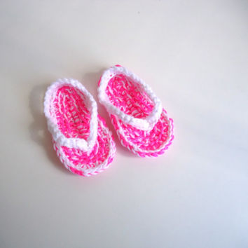 Pink and white baby flip flops, crochet baby sandals, crochet shoes, baby shoes, baby slippers, unisex shoes
