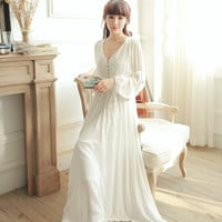 2016V-neck High Waist Vintage Sleepwear Royal Princess Nightgown White one-piece Nightdress,Ankle-Length Beading Full Vestidos