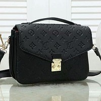 LV Louis Vuitton solid color embossed letter gold buckle envelope bag messenger bag shoulder bag