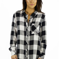 Elan Checkered Flannel Black and White