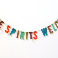 Free Spirits Welcome felt banner, party banner in red, brown, turquoise and green
