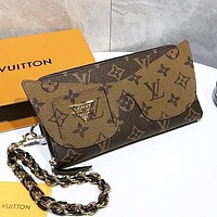 Hipgirls Louis Vuitton LV new classic printed letter stitching women's chain shoulder bag diagonal bag