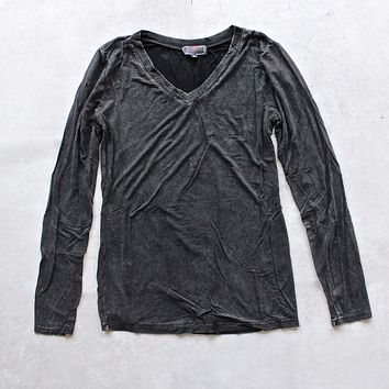 BSIC - Vintage Acid Wash V-Neck Long Sleeve Shirt in Black
