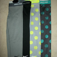 Nike Pro Core Essential Compression Capris Dri-Fit Leggings Printed NWT (1-Pair)