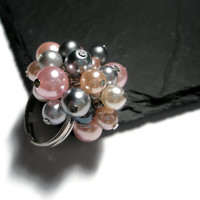 Ring cocktail Beaded glass Pearls Pink Peach Grey Gray silver bridal wedding