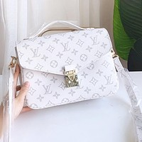 LV classic messenger bag large clamshell classic and durable, practical and convenient bag pure white
