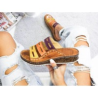 Hot fashion slippers outside women wearing large size women's shoes with platform slippers