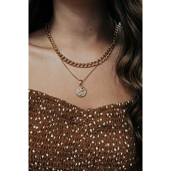 Can't Hold Back Necklace: Gold