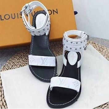 Louis Vuitton LV Classic Retro Popular Slipper Women Sandals Shoes White