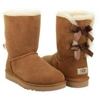 UGG:: bow leather boots boots in tube Yellow
