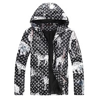 LV Louis Vuitton 2018 autumn and winter new men and women models hooded jacket F-A00FS-GJ black