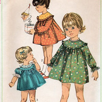 Vintage Retro Girls Dress 60s Simplicity Sewing Pattern Toddler Size 3 Frilly Panties Raglan Sleeve Party Play Dress