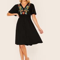 Floral Embroidery Appliques Front Flutter Sleeve Dress