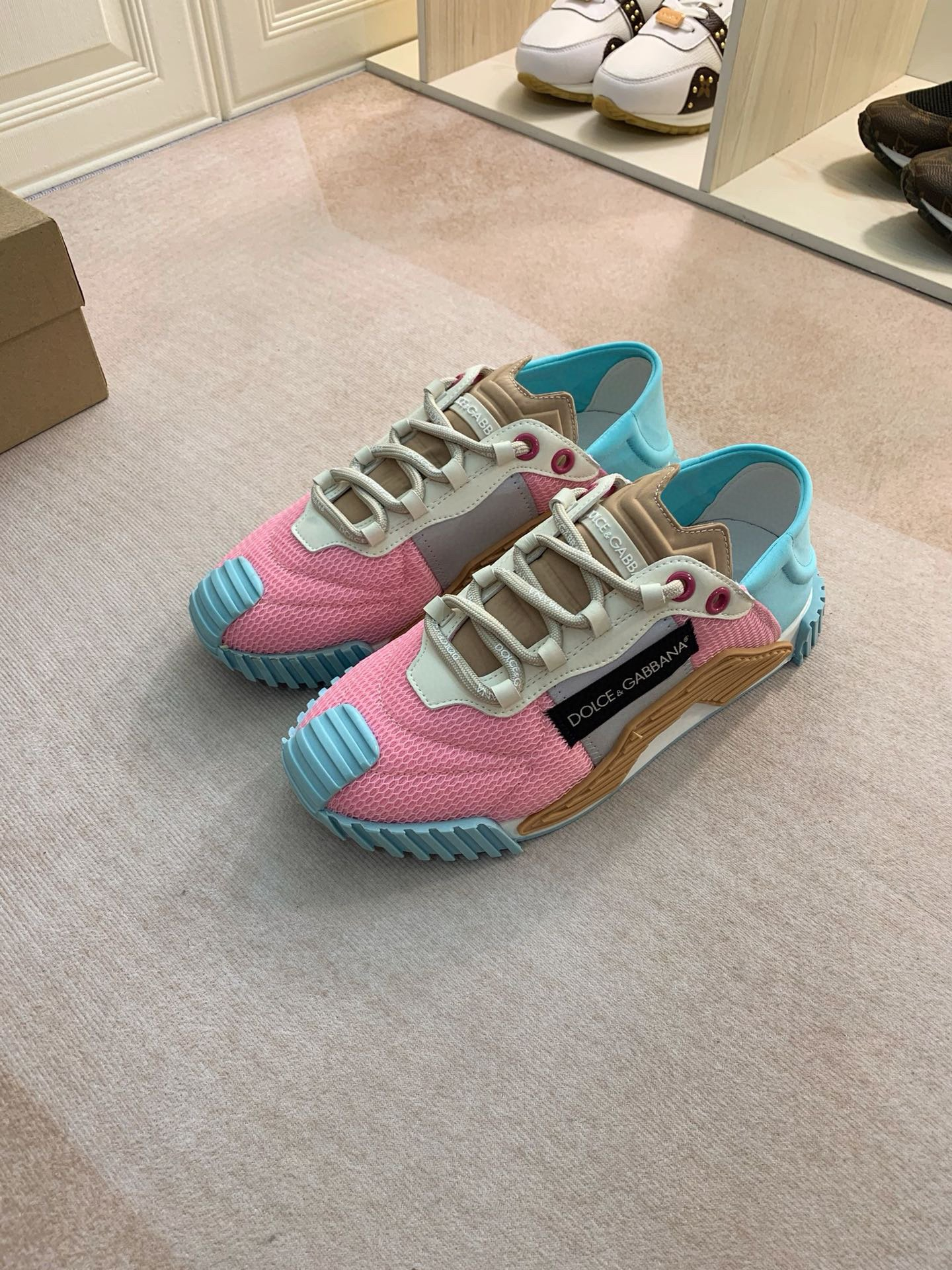 Image of D&G DOLCE & GABBANA 2021 NEW ARRIVALS Men's And Women's NS1 Sneakers Shoes