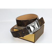 Louis Vuitton Woman Men Fashion Smooth Buckle Belt Leather Belt Skin Belts LV Beltt629