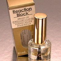 Allergic reactions to earrings? Reaction block hypoallergenic solution is the answer
