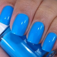 Essie Nail Polish (3028-I'M ADDICTED) Too Taboo LIMITED NEON 2014
