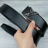 Louis Vuitton LV Hot Selling Belt Simple LV Letter Buckle Fashion Men's and Women's Belts