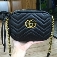 Gucci sells double G-wave camera bags with fashionable single-shoulder inclined bag chain bags Black