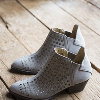 Cambria Nubuck Boot, Grey | Chinese Laundry