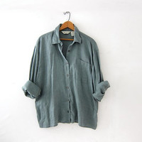 Vintage linen shirt. Sage green linen top. minimalist shirt. pocket shirt.