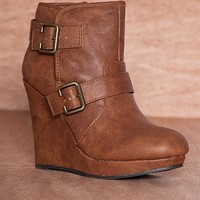 Qupid Wedge On The Edge Two Buckle Wedge Ankle Booties Val-14 - Camel