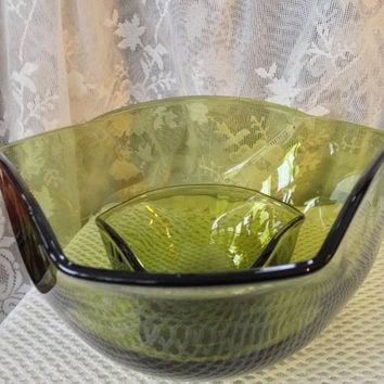 Avocado Green Glass Bowls, Chip and Dip Set, Large 1970s Style Party Bowls