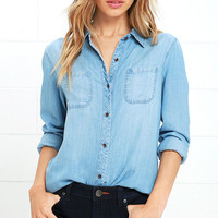 Jean Kelly Light Blue Chambray Button-Up Top