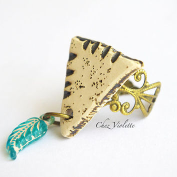 adustable triangle Ring / Ethnic Ring / tribal jewelry / artisan ceramic feather jewelry