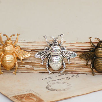 BEE Brooch Forest Creature Nature Study Honey Bee Vintage Antique Style Bumble Bee Lapel Pin Tie Pin Garden Wedding Tie Tack