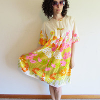 Vintage 60s 70s  Alfred Shaheen Colorful Flowers Asian Knot Tent Muumuu Mod Dress