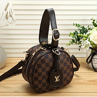 Louis Vuitton LV Women Round cake bag
