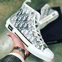 Dior CD New mesh lace-up sneakers Men and women flat sports hip-hop sneakers Letter high-top shoes Casual shoes 1