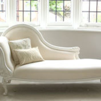 Classical White Chaise Longue - Sweetpea & Willow London