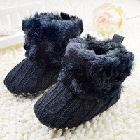 Tiny Baby Shoes   Fluffy Russian Booties