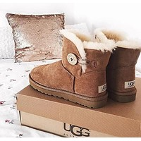 """UGG"" Women Fashion Wool Snow Boots Calfskin Shoes A button (4-color)"