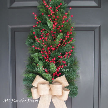 Red Holly Berry Christmas Tree Wreath