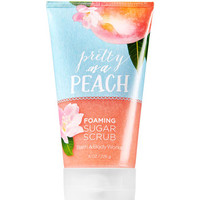 Pretty as a Peach Foaming Sugar Scrub - Signature Collection | Bath And Body Works