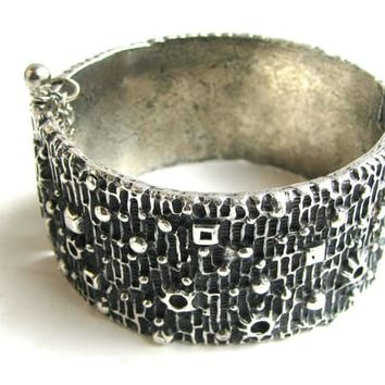 Excited to share the latest addition to my #etsy shop: Vintage Robert Larin Brutalist Modernist Pewter Cuff Bracelet #jewelry #pewter #hannuikonen #modernmodernist #bracelet http://etsy.me/2Eu8QTa