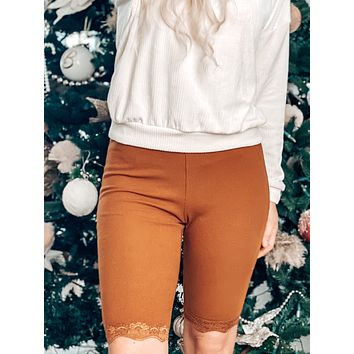 LITTLE DETAILS RIBBED LACE BIKER SHORTS IN TERRACOTTA