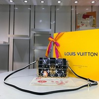 Kuyou Lv Louis Vuitton Fashion Women Men Gb2964 M63891 Eye-trunk For Iphone X & Xs 16.5 * 6 * 11 Cm